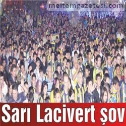 Sarı Lacivert şov