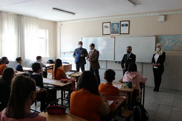 Karacabey'de Yüz Yüze Eğitim Sorunsuz Başladı