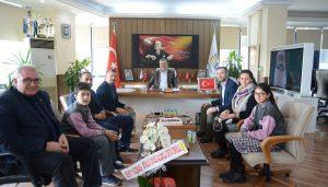 Şehit Acarca Ortaokulu'ndan Belediye'ye teşekkür ziyareti