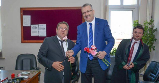 Özkan'dan Avukatlar Günü'nde Adliye Ziyareti
