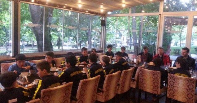 Can'dan U-12'ye moral yemeği