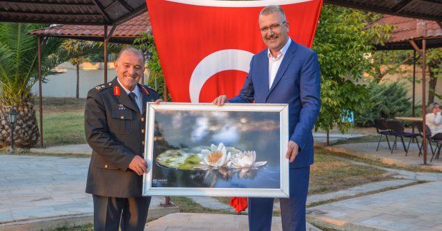 Komutan Hacıoğlu'ndan Karacabey'e övgü