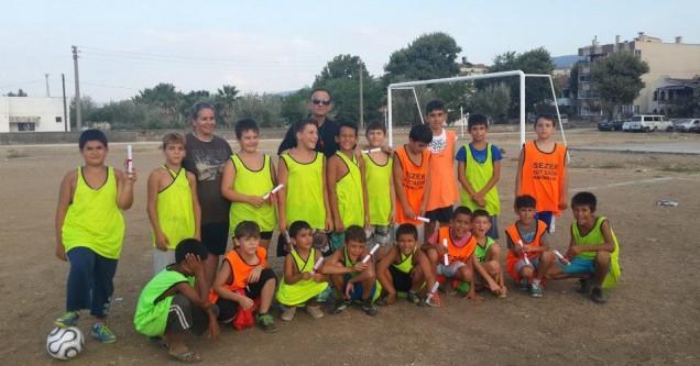 Yaz Futbol Okulu öğrencileri diplomalarına kavuştu
