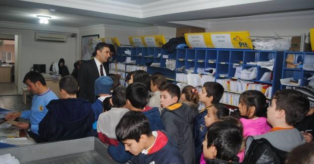 Cumhuriyet'li öğrencilerden PTT ziyareti