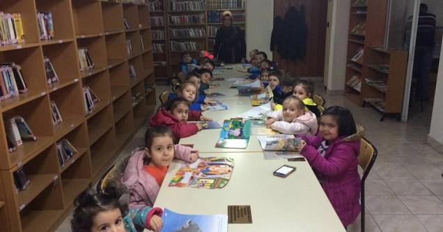 Miniklerin kütüphane ile buluşması