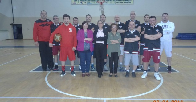 Basketbolculara moral ziyareti