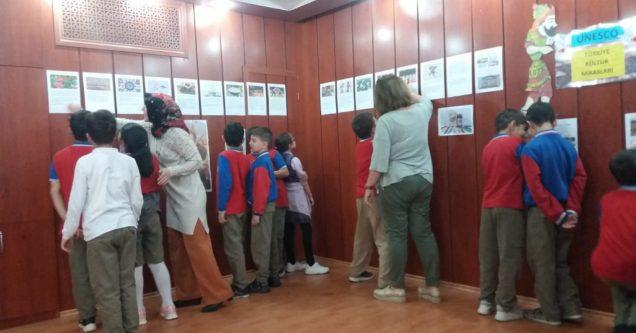 Atatürk İlkokulu takdir topladı