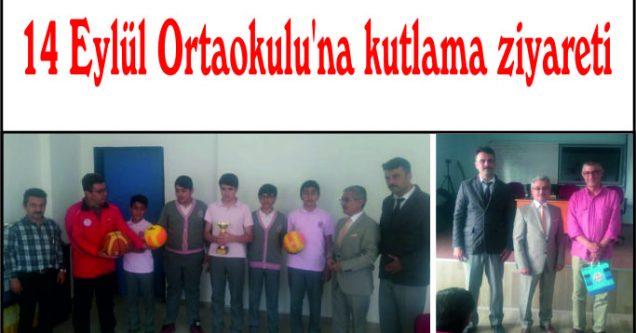 14 Eylül Ortaokulu'na kutlama ziyareti