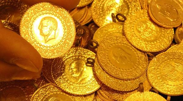 Dolandırıcılara inanıp altınları evin önüne bıraktı