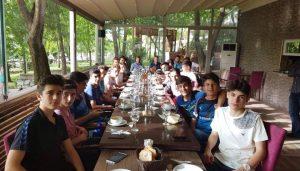 Balaban'dan genç futbolculara destek yemeği