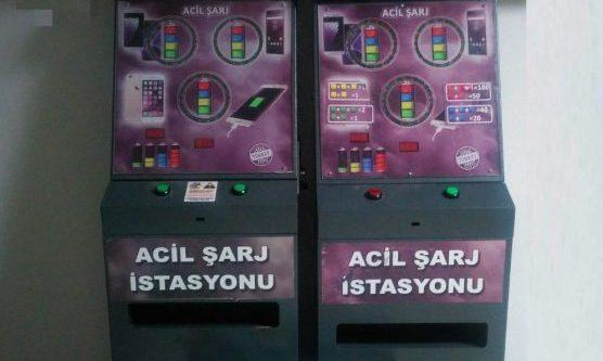 Acil şarj istasyonu gibi  kumar makinesi!