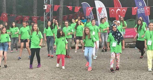 Karacabeyli öğrenciler Kent Gönüllüleri Gençlik Kampı'nda