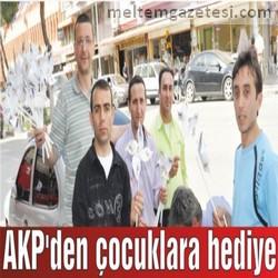 AKP'den çocuklara hediye