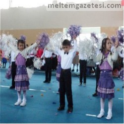 İstiklal'de 23 Nisan şenliği
