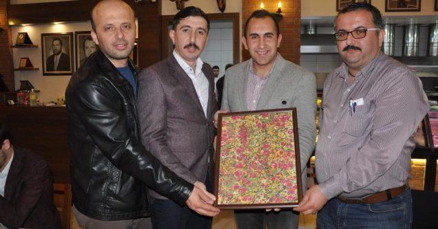 AK Gençlik'ten birlik ve beraberlik yemeği