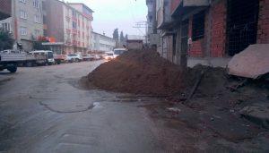 Karacabey sokakları geçit vermiyor!