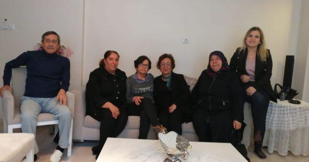 Emekli öğretmenlere AK Kadınlardan anlamlı ziyaret