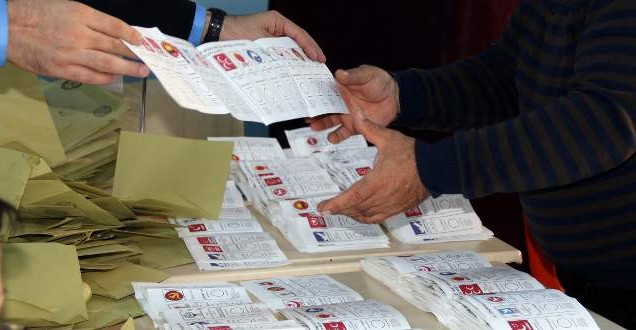1 Kasım seçimlerinde kaç oy geçersiz sayıldı?