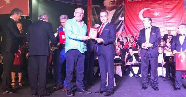 Karacabeyliler'in TSM Korosu'na büyük onur