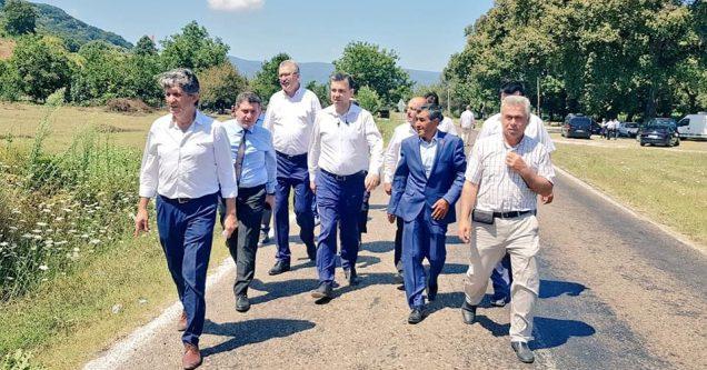 İşcan'dan müjde; Yeniköy Yolu'nda mutlu son!