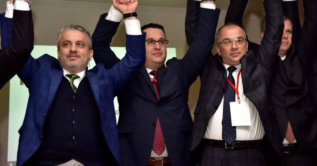 Mustafakemalpaşa AK Parti'de yeni başkan Kanar