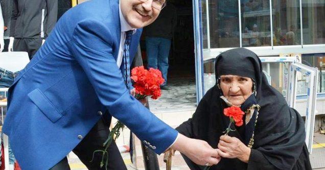 Özkan'dan 'Anneler Günü' mesajı