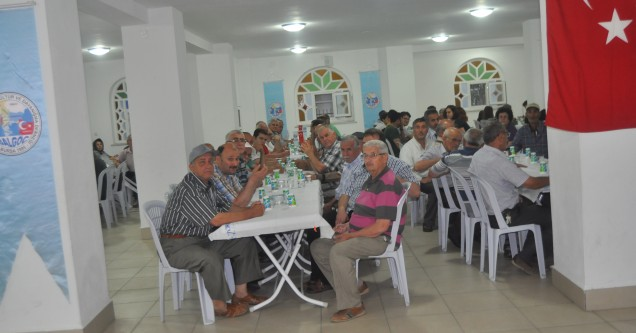 BAL-GÖÇ camiası iftar yemeğinde bir araya geldi