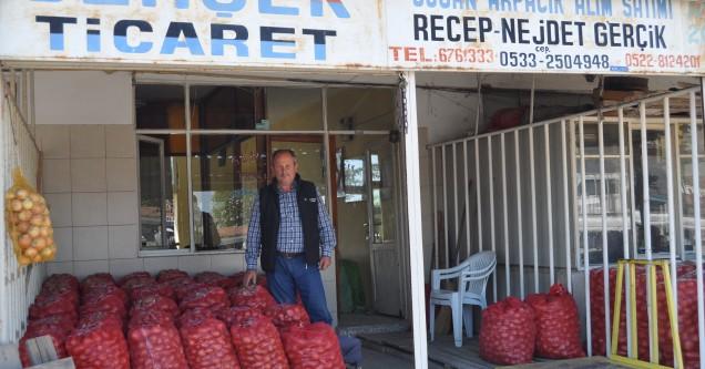 Karacabey Yaş Sebze-Meyve Hali'nde hırsızlık