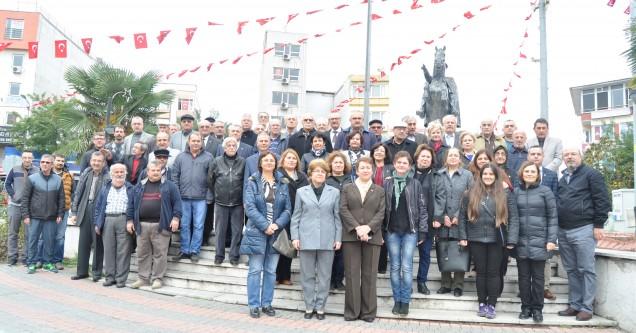 CHP ve ADD'den Cumhuriyet çelengi