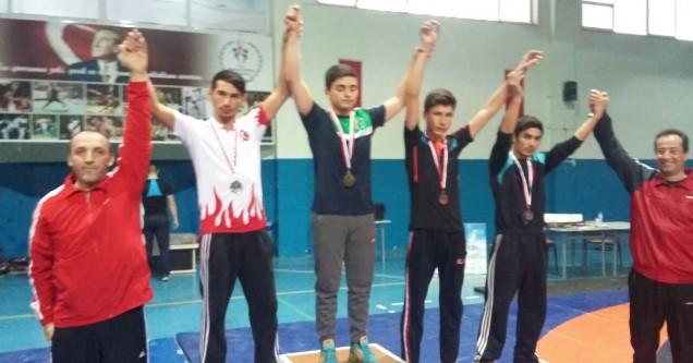 Karacabeyli Güreşçiler, Şehitler için yarıştı