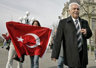 """Perinçek 'ten çağrı; """"Atatürk gibi düşünelim"""""""