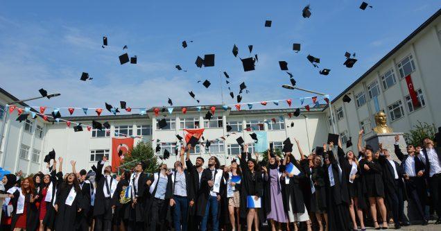 KMYO'da mezuniyet coşkusu