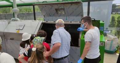 Minik öğrencilerden çiftçi ve çevreye anlamlı destek