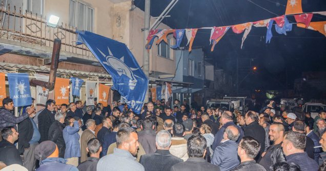 Roman vatandaşlardan Özkan'a yoğun ilgi