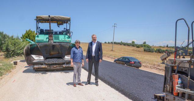 Karacabey'de asfalt  çalışmalarına devam