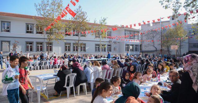 Atatürk İlkokulu ilk mezunları buluştu!