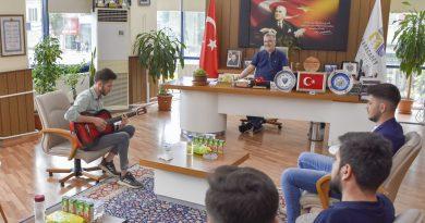 Erdoğan'dan övgü gelen şarkıya Başkan Özkan'dan destek sözü