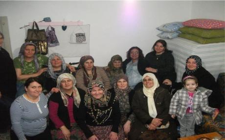 """AK kadınlardan """"8 Mart"""" ziyaretleri"""