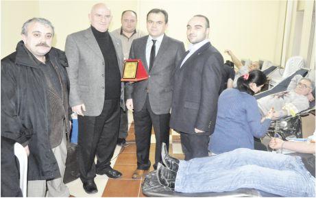 AK Partili gençlere Kızılay'dan teşekkür