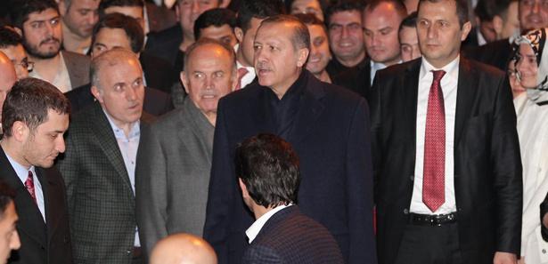Ak Parti'de adaylar tebliğ ediliyor