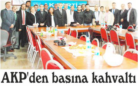 AKP'den basına kahvaltı
