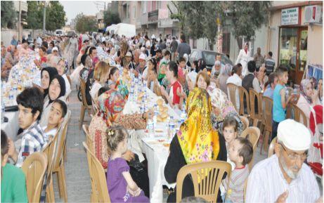 AKP'nin iftar yemeği doldu taştı!