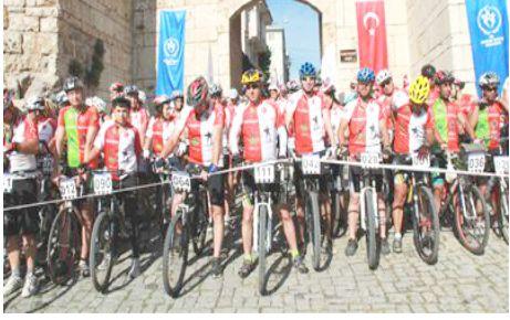 Bisikletçilerin Karacabey turu