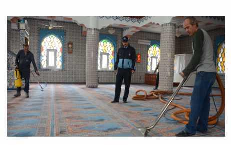 Cami temizlikleri başladı