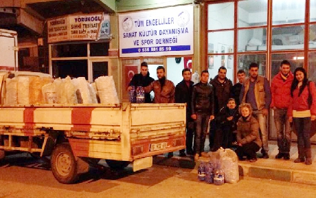 CHP'li gençlerden engellilere destek