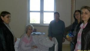 CHP'li bayanlar Kandil'de hastaları unutmadı