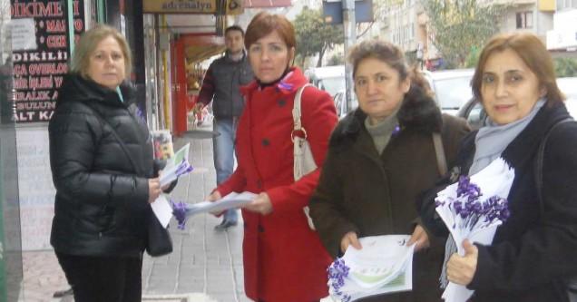 CHP'li kadınlar 'şiddet'e dikkat çekti