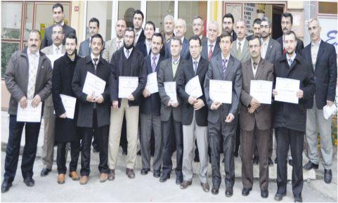 Din görevlileri sertifikalarını aldı