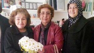 Emekli öğretmenleri duygulandıran ziyaret