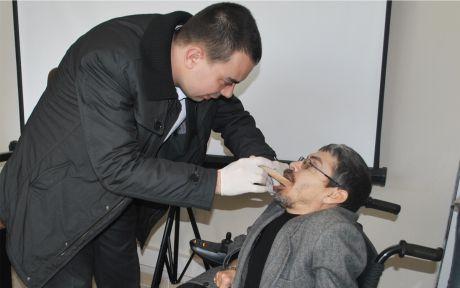 Engelliler diş taramasından geçti